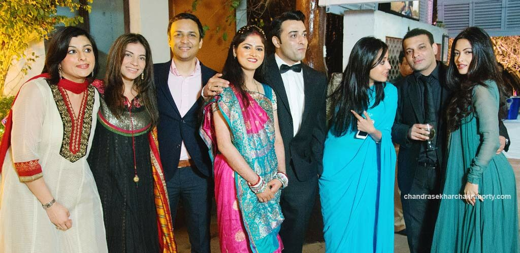 In the Groop photo Bride & Groom with Raima Sen & Riya Sen