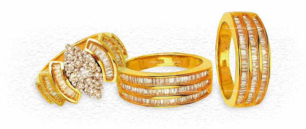 3 Gold rings with Diamond, Product Photography
