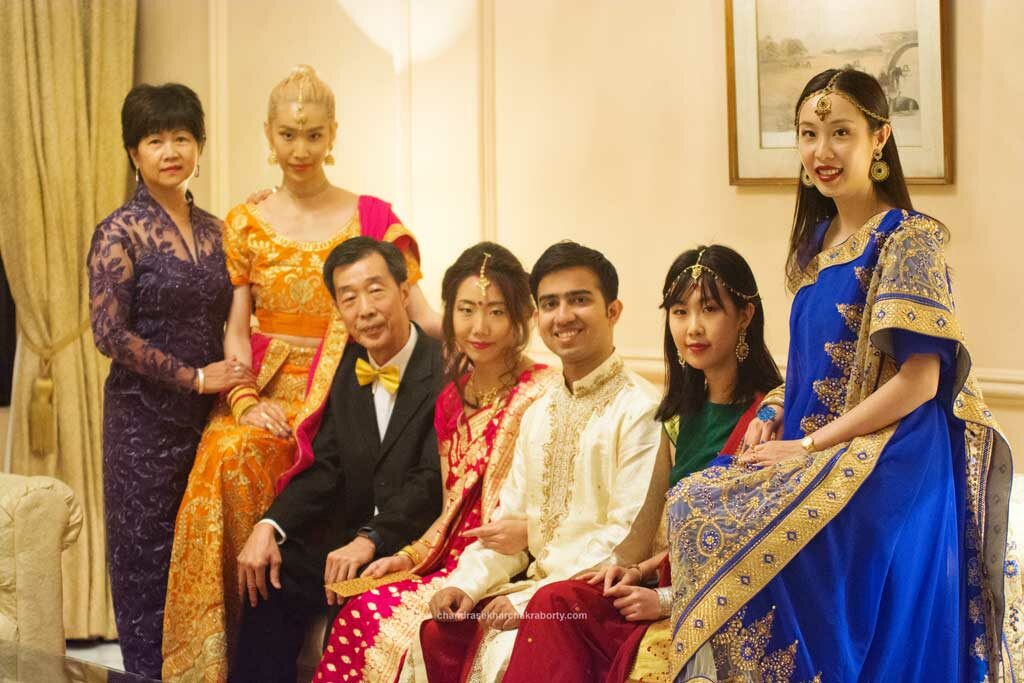 malaysian & Bengali's fusion wedding Family photo